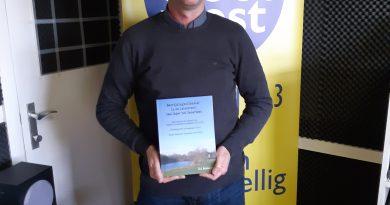 """HERBELUISTER: Gil vertelt over zijn boek """"Bevrijdigingsoffensief in de Leiestreek: van Ieper tot Gaverbeek"""""""