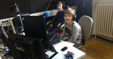 HERBELUISTER de jonge gasten van de Media Academie Wingene maken zelf radio op Radio Oost West