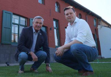 HERBELUISTER kersverse burgervader van Wingene Lieven Huys op bezoek bij Jo in Studio Oost West